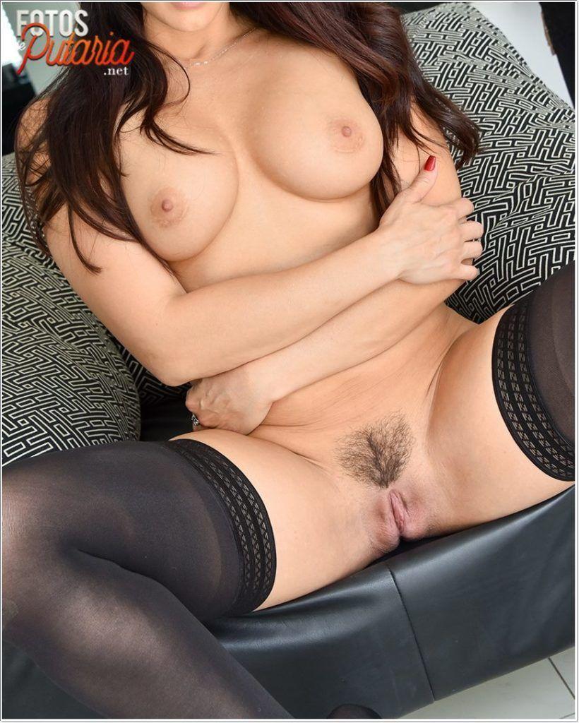 Mulher nua linda e maravilhosa do corpo escultural sexy deliciosa