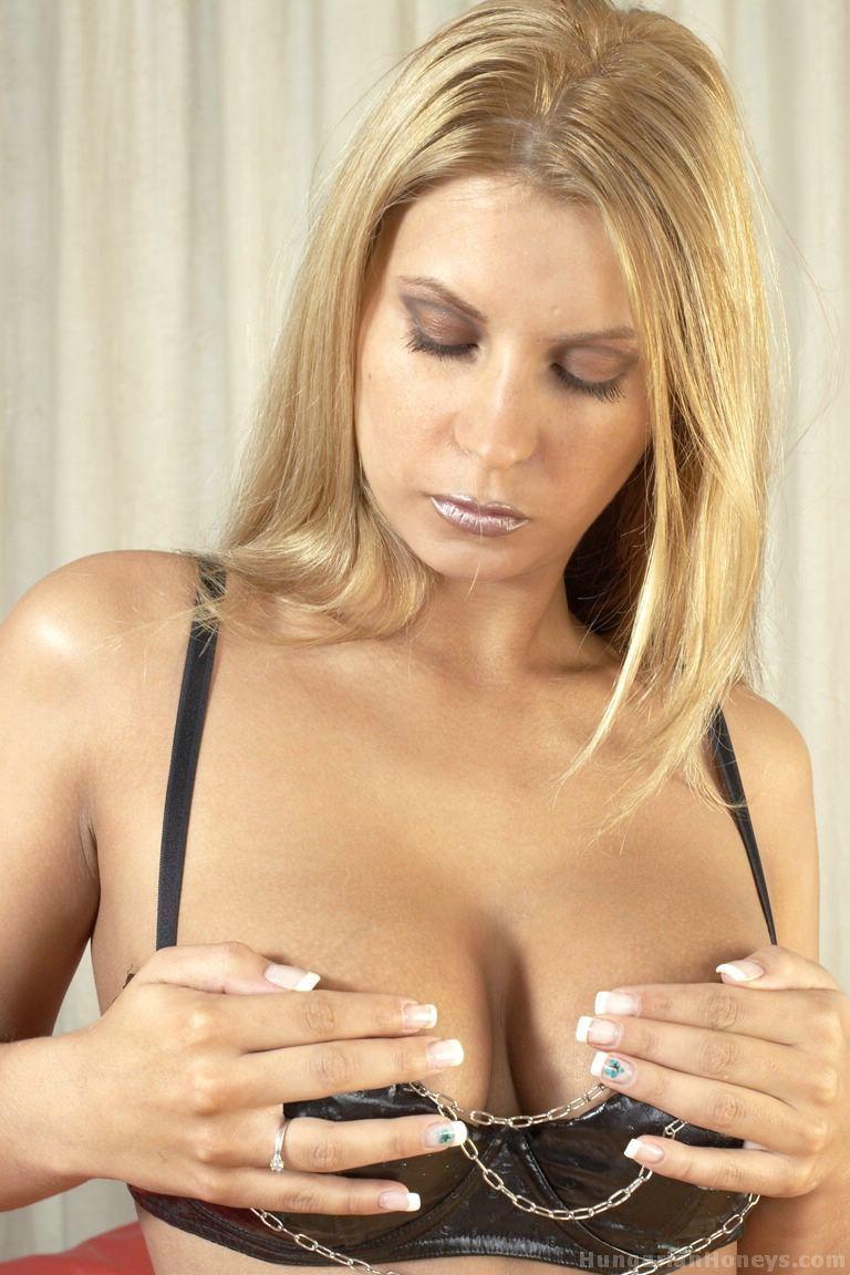 Fotos de loira sexy se masturbando no cuzinho
