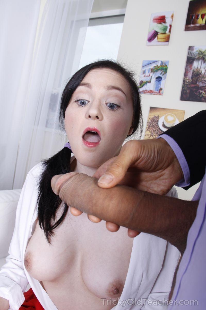 Xvideos fotos de professor dotado comendo cu de aluna magrinha