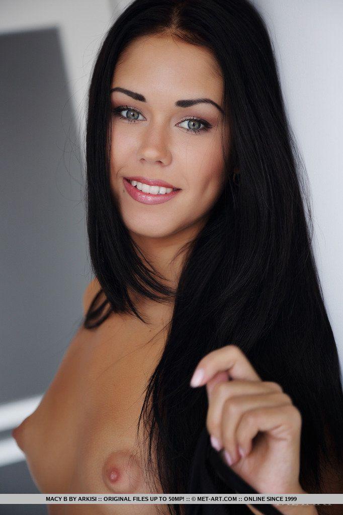 Fotos de novinhas com morena sexy toda pelada
