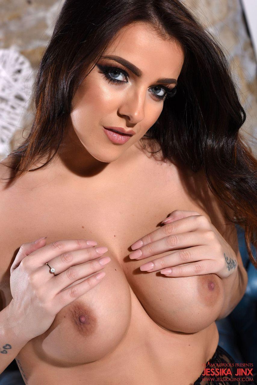 Fotos de porno gostoso mostrando uma ninfetinha gorda sensual