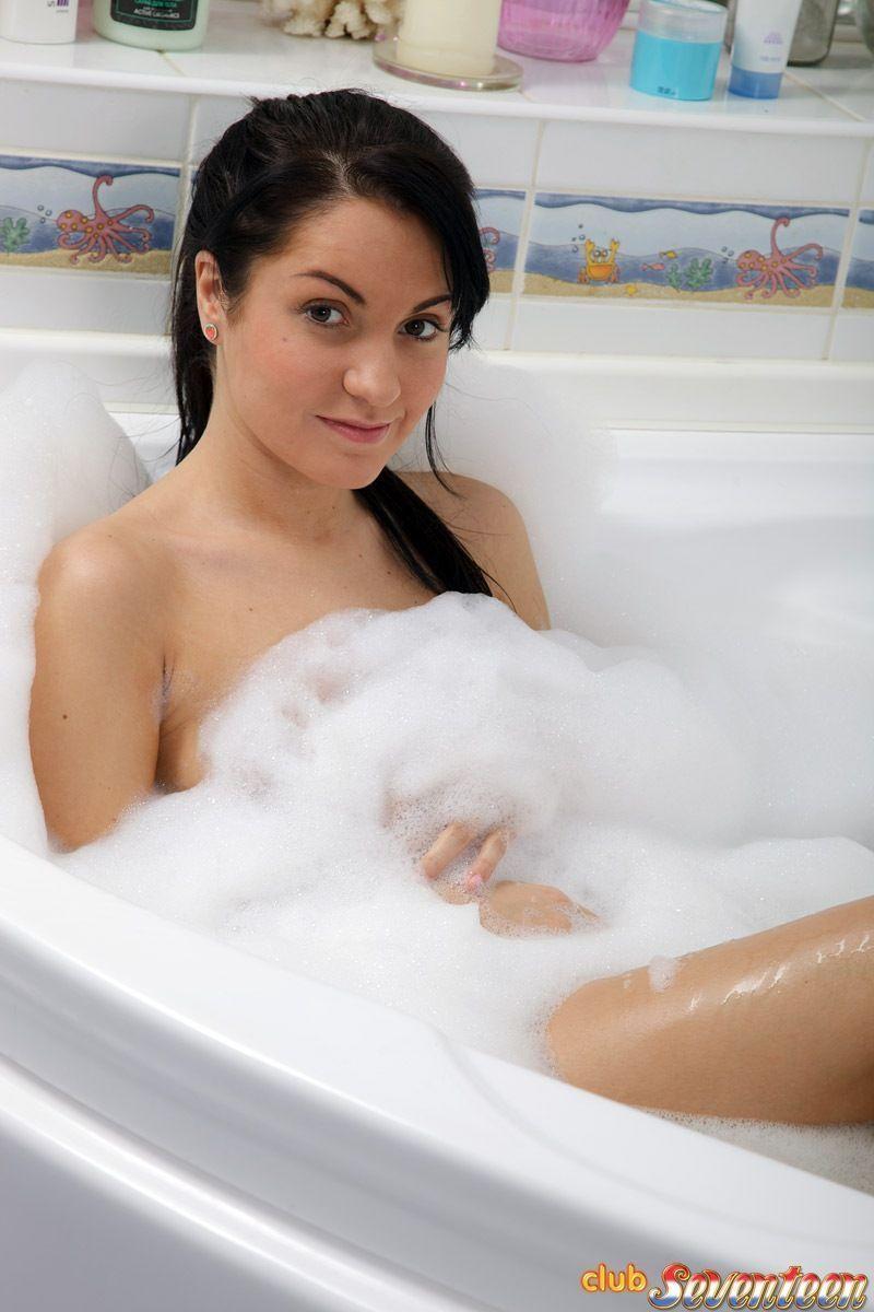 Fotos de sexo na banheira com casal de ator e atriz porno