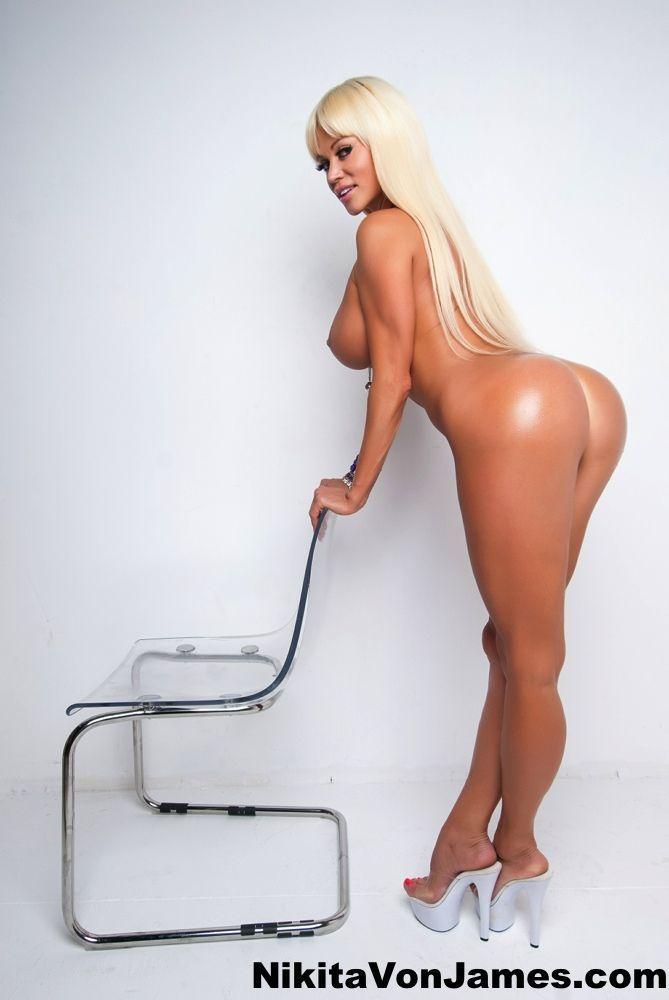 Fotos grátis mulher pelada mostrando a raba grande
