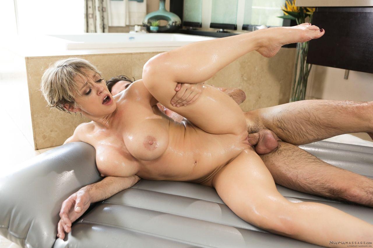 Sampa porno tem uma ruivinha pelada gostosa transando