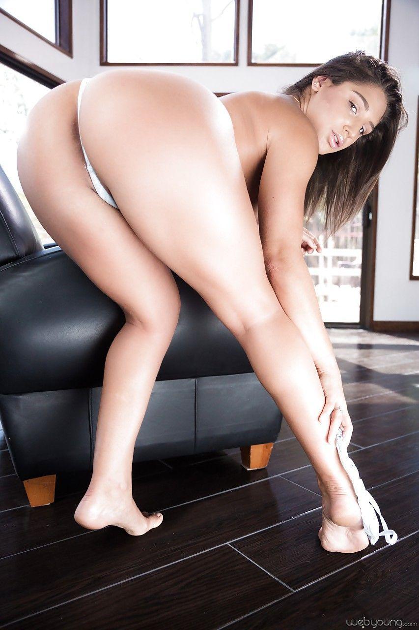Video de mulher safada gostosa querendo sentar em cima da pica