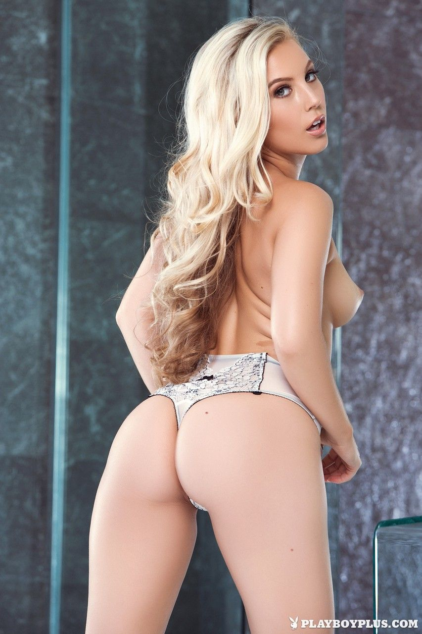 Porno tube mostra deliciosa prostituta mostrando seu corpo delicioso para camera