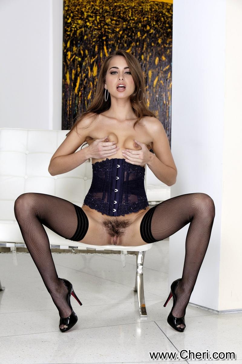 Fotos quentes de magrinha profissional do sexo se exibindo