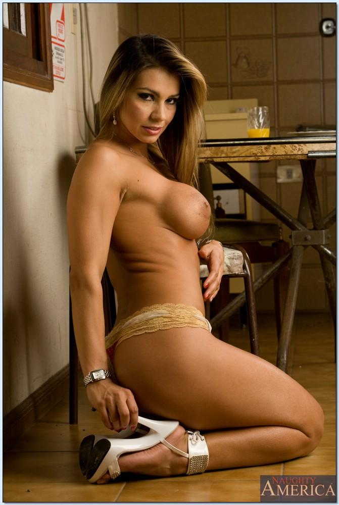 Fotosdesexo HD com atriz porno peituda